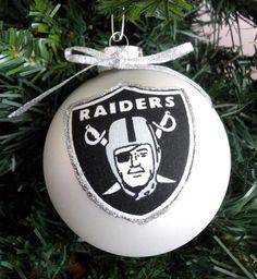 FOOTBALL FANS... Oakland RAIDERS Christmas Ornament #1 | Football ...