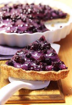 Heidelbeeren-Pie - dieser Kuchen ist jede Sünde wert! #blaubeeren #backen #tarte Rezept auf www.gofeminin.de/kochen-backen/heidelbeeren-d22317c287482.html