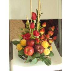 centros de mesa con frutas - Buscar con Google Fruit Tables, Basket Decoration, Easter Baskets, Floral Arrangements, Valentines, Google, Party, Flowers, Christmas