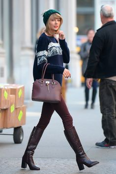 The style of Taylor Swift Taylor Swift Outfits, Taylor Swift Shoes, Taylor Swift Style, Taylor Swift Skinny, Fall Winter Shoes, Winter Style, Winter Outfits, Black Orchid, Pippa Middleton