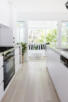 Home Decor Kitchen .Home Decor Kitchen White Galley Kitchens, Modern Farmhouse Kitchens, Home Kitchens, Modern Kitchen Design, Interior Design Kitchen, Simple Modern Interior, Stylish Interior, Kitchen Contemporary, Küchen Design