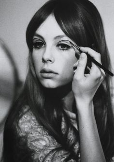 """The Look: """"Be My Baby,"""" Lula Magazine Spring/Summer Edie Campbell as Pattie Boyd. Photography by Jessie Lily Addams, beauty by Lisa Eldridge. Mod Makeup, 1960s Makeup, Vintage Makeup, Makeup Inspo, Vintage Beauty, Makeup Inspiration, Beauty Makeup, Hair Makeup, Hair Beauty"""