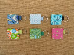 Aldi Quarter Keeper, Aldi Quarter Holder, Aldi KeyChain, Quarter For Shopping Cart. Split Ring To Attach To Keys or Shopping Bag. Diy Sewing Projects, Sewing Hacks, Sewing Crafts, Sewing Ideas, Sewing Tutorials, First Apartment Gift, Stocking Stuffers For Women, Christmas Gifts For Mom, Love Sewing
