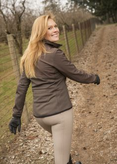 FITS Hawley jacket in Sable.  Wind Pro sleeve and lower back give stretch and weather protection.  Soft shell front for more weather protection. Breathable, stretchy performance.  Great stash pocket at centerback too.
