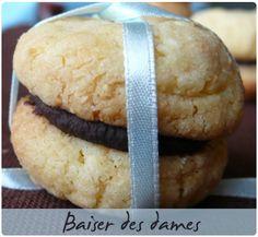 J'ai découvert ces petits biscuits sur le blog de talons hauts & cacao. Aussitôt vu, aussitôt fait... Une petite merveille à l'heure du café. Elle les