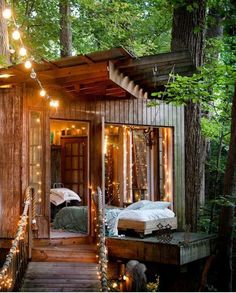 Rustic and romantic, this is one amazing treehouse. #domienova