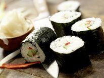 Sushi ist leicht und lecker. Mit Hilfe unserer Tricks können Sie Sushi selber machen.