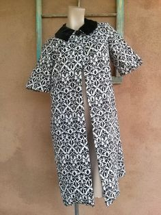 Vintage 1950s Swing Coat Damask Black White Maternity Up to US8 2014146 - pinned by pin4etsy.com