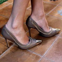 781cc12575 Scarpin correntes www.fullstore.com.br  fullstore  scarpincorrentes   bicofino  sapatosfemininos  lovedrops  shoes