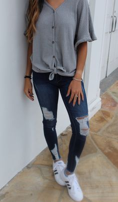 Cute Casual Outfits For The Fall every Cute Summer Outfits Size 12 long Cute Outfit Ideas Winter 2018 whether Cute Outfits With Light Ripped Jeans Teenage Outfits, Cute Outfits For School, Cute Comfy Outfits, Teen Fashion Outfits, Cute Jean Outfits, Woman Outfits, Emo Outfits, Emo Fashion, Casual Summer Outfits With Jeans