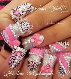 Noelenes nails