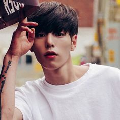 Find images and videos about boy and ulzzang on We Heart It - the app to get lost in what you love. Korean Boys Ulzzang, Ulzzang Boy, Cute Korean, Korean Men, Beautiful Boys, Pretty Boys, Asian Men Hairstyle, Look 2018, Ulzzang Fashion