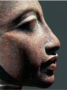Quartzite head portraying princess, daughter of pharaoh Akhenaton, from Tall al-Amarnah, detail..look at the details
