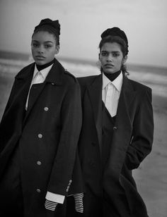 Publication: Vogue Italia April 2016 Model: Afif Jnifen, Pooja Mor, Elisa Sednaoui, Samantha Ellsworth, Kenza Fourati Photographer: Peter Lindbergh Fashion Editor: Jacob K Hair: Valentin Make-up: Aude Gill