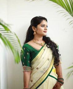 Kerala Bride Engagement/ Wedding Eve look Kerala Saree Blouse Designs, Wedding Saree Blouse Designs, Half Saree Designs, Saree Blouse Neck Designs, Saree Wedding, Kerala Wedding Saree, Kerala Bride, Hindu Bride, Kerala Engagement Dress