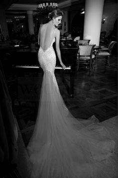 Sfilare con abiti da sposa lavoro