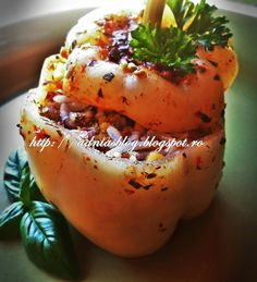 Reteta culinara Ardei umpluti cu legume, orez si linte din categoria Mancaruri de post. Cum sa faci Ardei umpluti cu legume, orez si linte