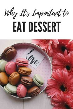 Do you craving sugar and sweets? If so, you may need to actually eat them more often. Here are four reasons why you should eat dessert. Health Diet, Health And Wellness, Stop Sugar Cravings, Binge Eating, Intuitive Eating, Mindful Eating, Dietitian, Healthy Habits