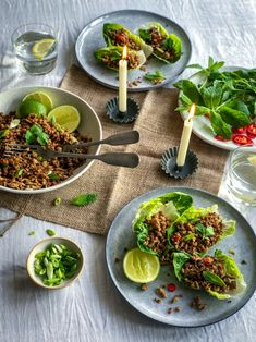 Envie d'une recette qui change et vous donne des envies de voyager ? Découvrez comment cuisiner du porc à la thaïlandaise à déguster dans des wraps de laitue à l'aide de votre robot pâtissier cuiseur multifonction Cooking Chef Gourmet ! Hacher, cuire, et saisir, le robot vous aidera à toutes les étapes de la préparation de la recette.   #kenwoodfrance #recette #cookingchefgourmet #kenwood #cookingchef #thaifood #thai #porc #laitue #diner #recetteoriginale #viande #wraps #recettefacile…