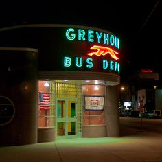 Great art deco Greyhound Bus station and neon sign in Huntington, West Virginia. Robert Doisneau, Huntington West Virginia, Bus City, Vintage Neon Signs, Neon Nights, Art Deco Buildings, Bus Travel, Bus Station, Old Signs