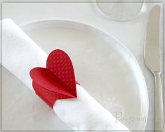 Red Heart Paper Napkin Rings , Party Decorations , Valentine's Day , Wedding Decor , Romantic Table Decor , Red Napkin Rings Set of 4 HTD01
