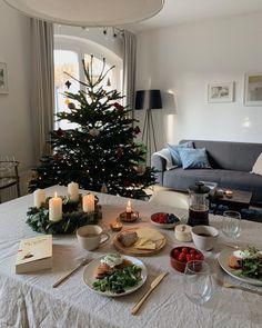 Christmas Feeling, Cozy Christmas, Holiday Fun, Christmas Time, Xmas, Holiday Decor, Christmas Morning, Christmas Aesthetic, Decoration Table