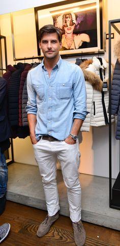 Men's Denim Shirt Inspiration    MenStyle1- Men's Style Blog Male Urban Fashion, Urban Fashion Trends, Mens Fashion Blog, Fashion Mode, Denim Fashion, Fashion Outfits, Paris Fashion, Fashion Fashion, Runway Fashion