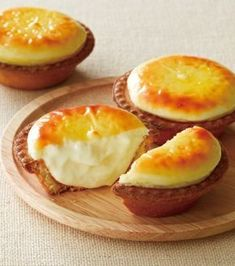 Tarta de queso Hokkaido   - Para la crema 100 gramos de nata 300 gramos de queso cremoso 30 gramos de parmesano 30 gramos de mantequilla 60 gr...