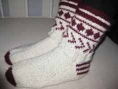 Knitting Videos, Knitting Socks, Fashion, Knit Socks, Moda, Fashion Styles, Fashion Illustrations