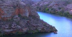 Cânion do Xingó é paraíso que fica no meio do sertão sergipano