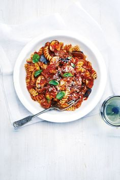 Slow Cooker Tomato and Sausage Pasta