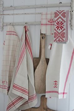 Red and White linens, perfect for Christmas decorating and Valentine's Day, too!