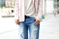 boyfriend jeans pastel