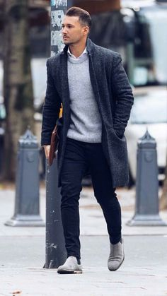 How to wear grey suede chelsea boots for men looks & outfits Mens Fashion Blog, Trendy Fashion, Fashion Models, Mens Autumn Fashion, Fashion Black, Man Fashion, Trendy Style, Fashion Hair, Black Men Winter Fashion