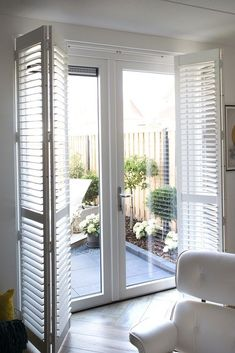 I love this beautiful cottage shutters Cottage Shutters, House Shutters, Interior Shutters, Interior Windows, Window Shutters Inside, Rustic Shutters, Bedroom Curtains With Blinds, Bedroom Doors, Patio Door Coverings