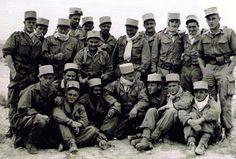 """Die Romanfigur """"Onkel Arthur"""" diente von 1957 bis 1962 in der frz. Legion in Algerien.  Er hielt den Algerienkrieg für den grausamsten aller Kriege, die Menschen jemals gefochten haben. Zurück in der Zivilisation gelang es ihm nie mehr Fuss zu fassen."""