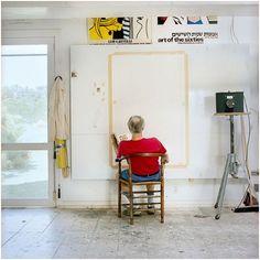 Roy Lichtenstein dans son studio  photographié par Laurie Lambrecht