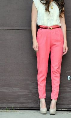 Silky bright pink pants Super pink silky trousers with a zipper In the back,great condition and can be casual or dressed up! These are a little more pink in person American Apparel Pants Trousers Covet Fashion, Diy Fashion, Fashion Outfits, Diy Clothing, Sewing Clothes, Pink Pants, Leggings, Couture, Fashion Addict