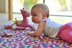 FilzKugelTeppiche als Inspiration für das Kinderzimmer. Lassen Sie sich für die Einrichtung Ihres Kinderzimmers inspirieren: http://www.sukhi.de/inspiration