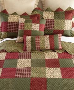 Create a classic, garden-inspired look with this Donna Sharp Garden Patch pillow sham. Quilt Sets, Quilt Blocks, Designer Bed Sheets, Patchwork Quilt, Easy Quilts, Quilt Bedding, Cotton Quilts, Bed Spreads, Quilting Designs