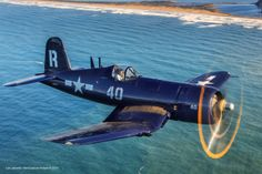 The Corsair was highly effective in WWII. It was originally intended for aircraft carrier duty b Ww2 Aircraft, Fighter Aircraft, Aircraft Carrier, Military Aircraft, Fighter Jets, Military Weapons, Military Art, F4u Corsair, Old Planes