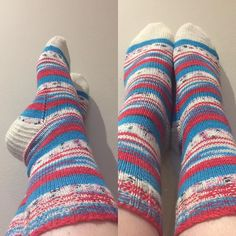 Jill has brought her DLM self striping socks. Look at them!! You know what these need don't you? HAHAHAHAHAHAHA self striping socks to match!!
