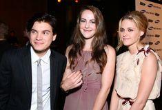 "Kristen Stewart Pictures - Los Angeles Premiere Of Paramount Vantage's ""Into The Wild"" - Zimbio"