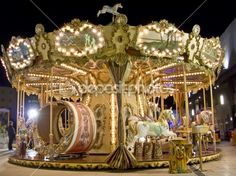An old fashioned carousel at night — Stock Photo #6729196