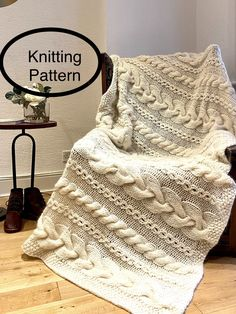 Knitted Throw Patterns, Sweater Knitting Patterns, Knitting Ideas, Afghan Patterns, Cable Knit Blankets, Knitted Blankets, Cable Knit Throw, Knitted Afghans, Chunky Blanket