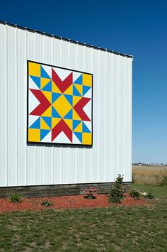 Nebraska Barns' photo: Just to the north of Elmwood, NE sits this beautiful barn decorated with a barn quilt like so many of the barns in Cass County, NE. Description from pinterest.com. I searched for this on bing.com/images