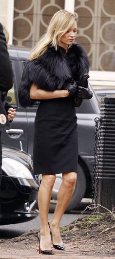 Kate Moss managing to pull of elegance and sexiness simultaneously.