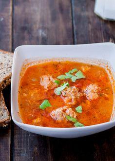 Meatball Soup (Ciorba de Perisoare) - a traditional Romanian meatball soup.Romanian Meatball Soup (Ciorba de Perisoare) - a traditional Romanian meatball soup. Mexican Meatball Soup, Meatball Recipes, Soup Recipes, Cooking Recipes, Healthy Recipes, Dinner Recipes, Recipe For Mom, Mom's Recipe, Healthy Canned Soups