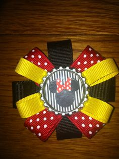 Round minnie mouse bottle cap hair bow. www.etsy.com/shop/familyon