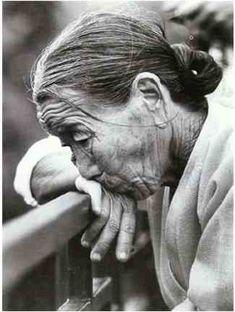 [사진작가]Photos of Choi Min Sik ~)-The Story of Poor People . - Photographs by Choi Min-sik ~) - Korean Photography, Street Photography, Portrait Photography, Grey Pictures, Pictures To Draw, Social Realism, Old Faces, Sketches Of People, Psy Art